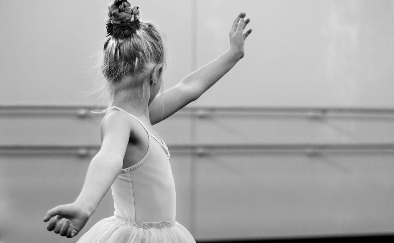 Alimentação, corpo e corporeidade estudo de caso realizado com estudantes de balé clássico – Isabela Santos (UNIOESTE), Romilda de Souza Lima (UNIOESTE), Kerley Braga Pereira Bento Casaril (UNIOESTE)